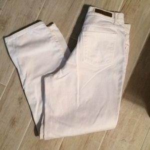 Bill Blass Easy Fit white jeans